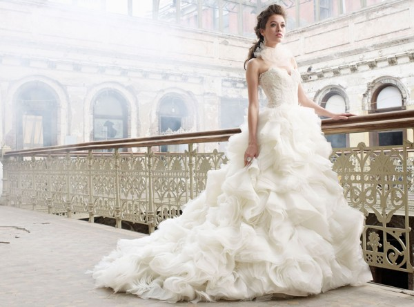 Ways to recycle your old wedding gown for Recycle your wedding dress