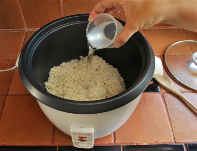 How To Make Cake In Rice Cooker Step By Step
