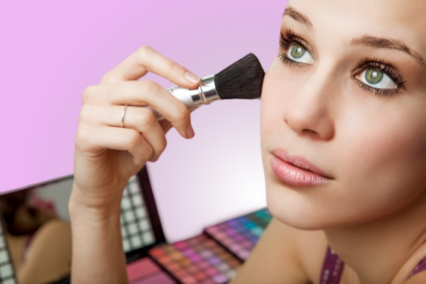 How to avoid makeup blunders for a fresh start?