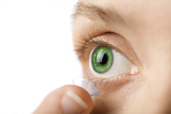 Valuable Tips to wear attractive lenses
