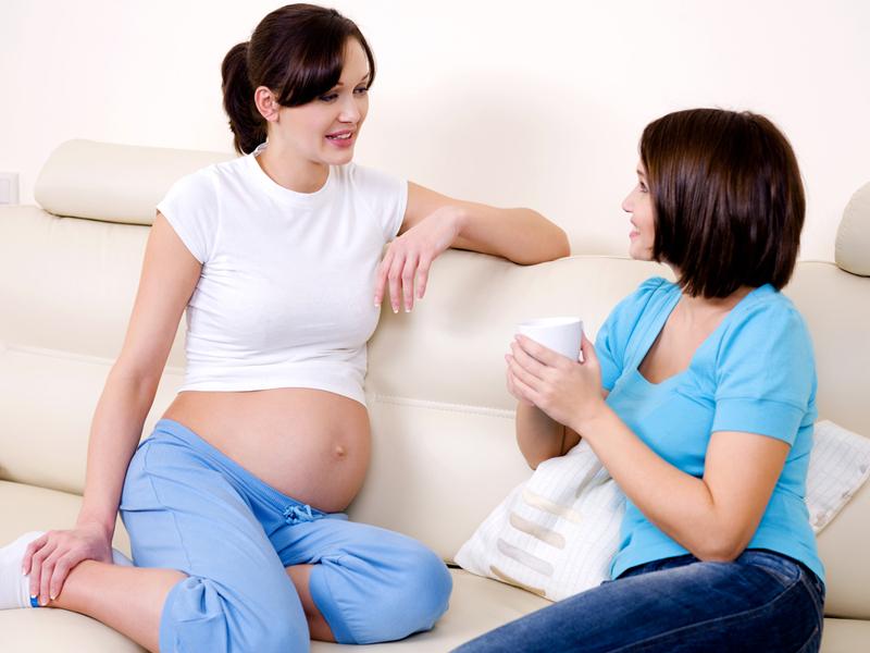 ibu mengandung bercakap