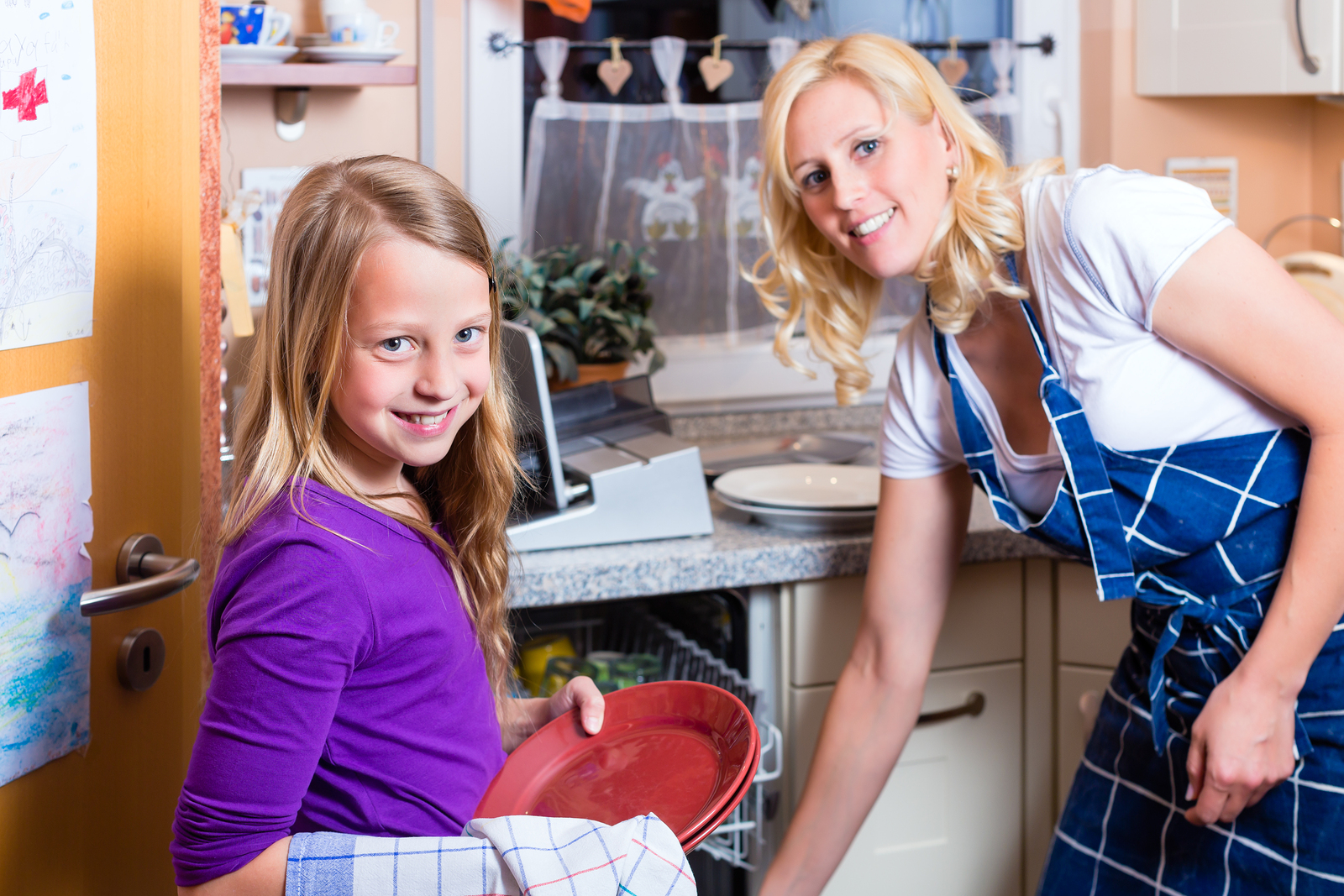 Make post-dinner chores fun with kids