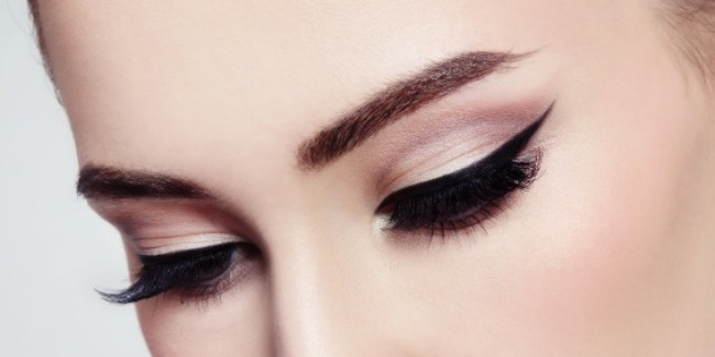 How to do perfect cat eye in minutes