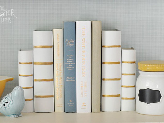 8 Brilliant DIY Bookends To Decorate Your Bookshelves