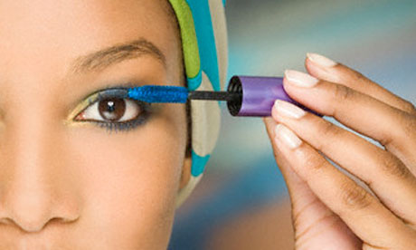 3 Reasons to Apply Colored Mascara