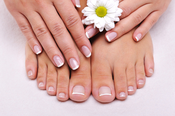 Get Beautiful nails in 3 steps