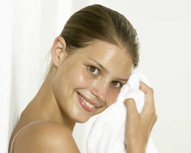 3 Mistakes you are Doing to your Oily Face