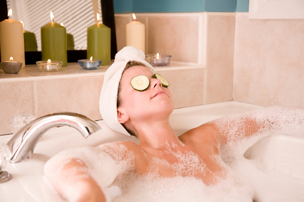 10 Things that Pamper your Skin in the Bath