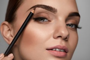 thick and healthy eyebrows