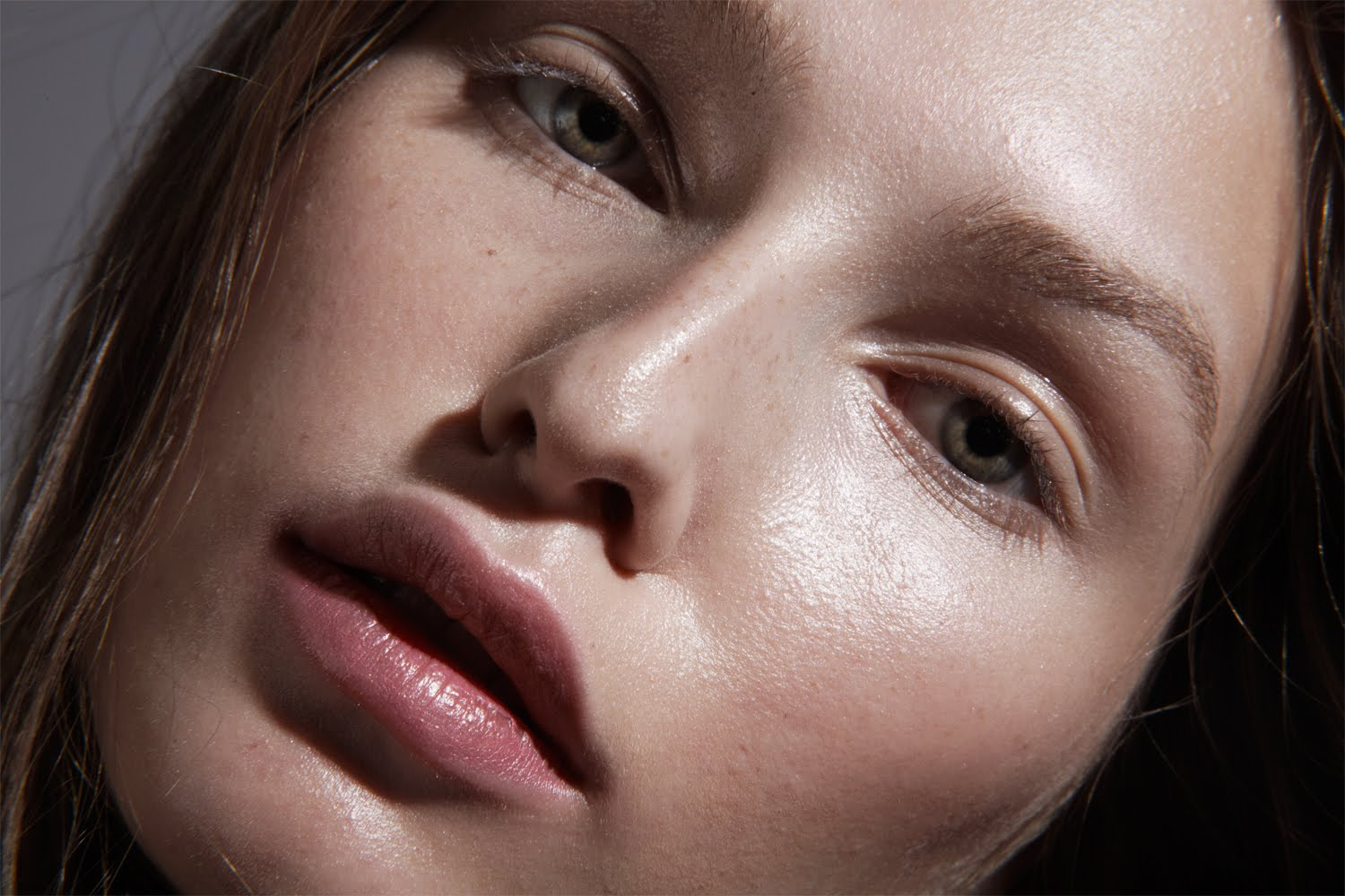 Everything You Need For A Dewy Makeup Look