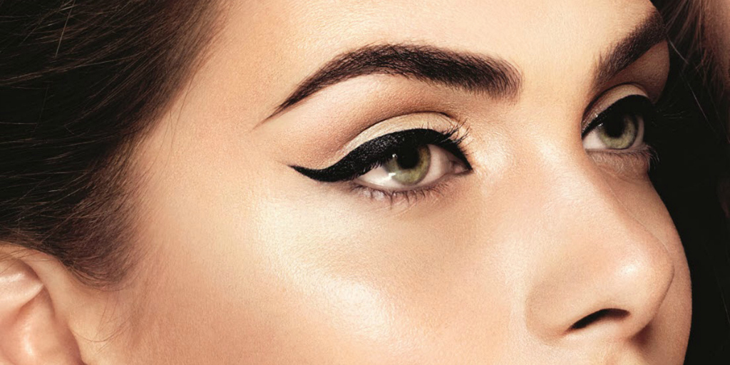 Perfect winged eyeliner in 3 easy ways!